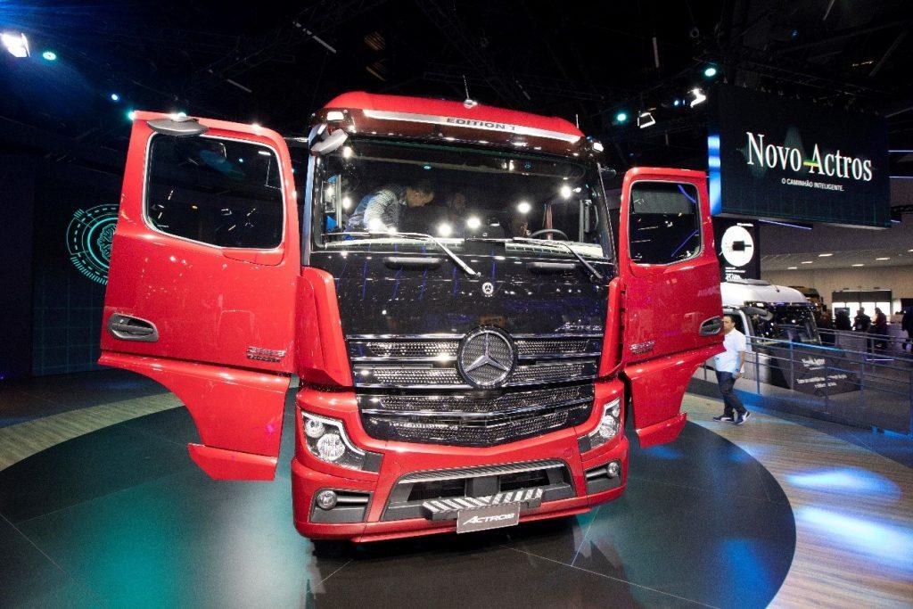 Os 6 caminhões que foram sucesso na Fenatran 2019: Mercedes-Benz
